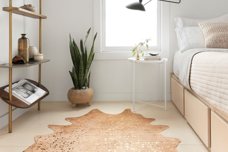 What Color Cowhide Rug Is Appropriate for Your Space?